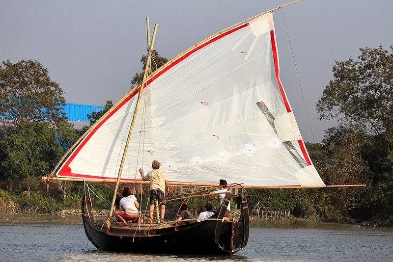www.culturamarinara.com-gold-of-bengala-barca-in-fibra-di-juta-con-roland-jourdaine